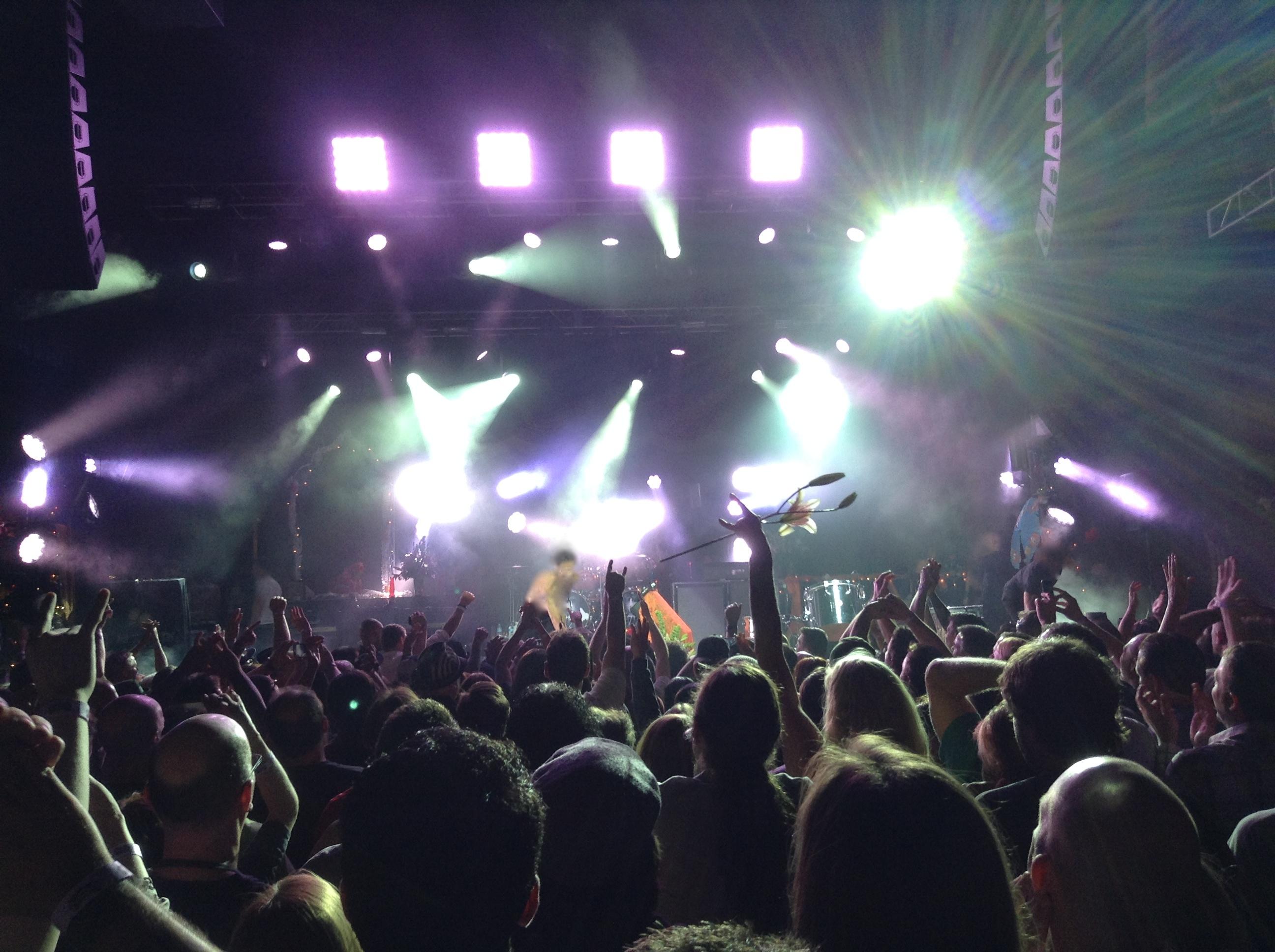 800px-Manchester_Arena_concert,_November_2012